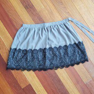 LC Lauren Conrad NWT Gray & Black Pleated Skirt 8